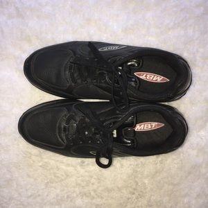 MBT Walking Rocker Shoes Size 8.5.